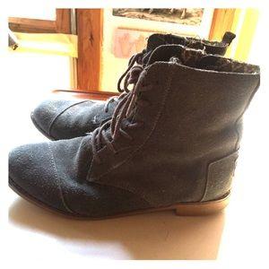 Women's Toms grey suede boots